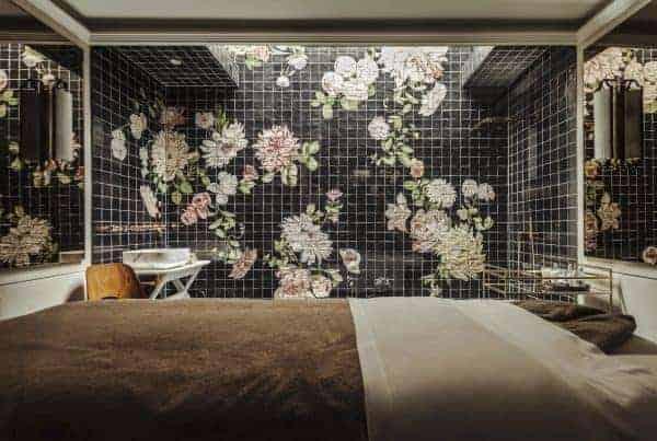 A beautifully tiled Gazelli treatment roon